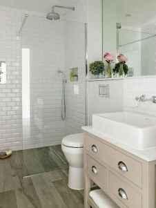 60 Elegant Small Master Bathroom Remodel Ideas (33)