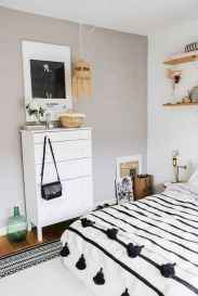 60 Small Apartment Bedroom Decor Ideas On A Budget (11)