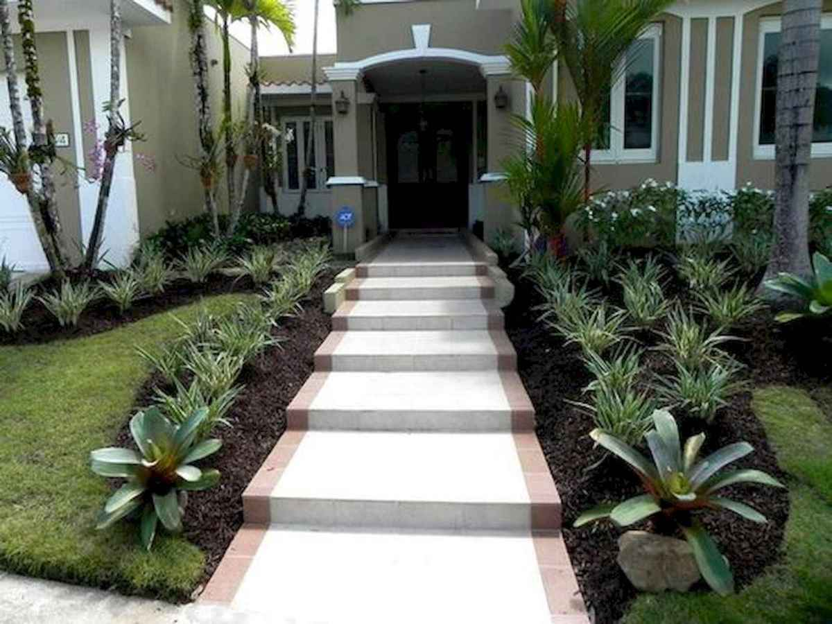 90 Simple and Beautiful Front Yard Landscaping Ideas on A Budget (32)