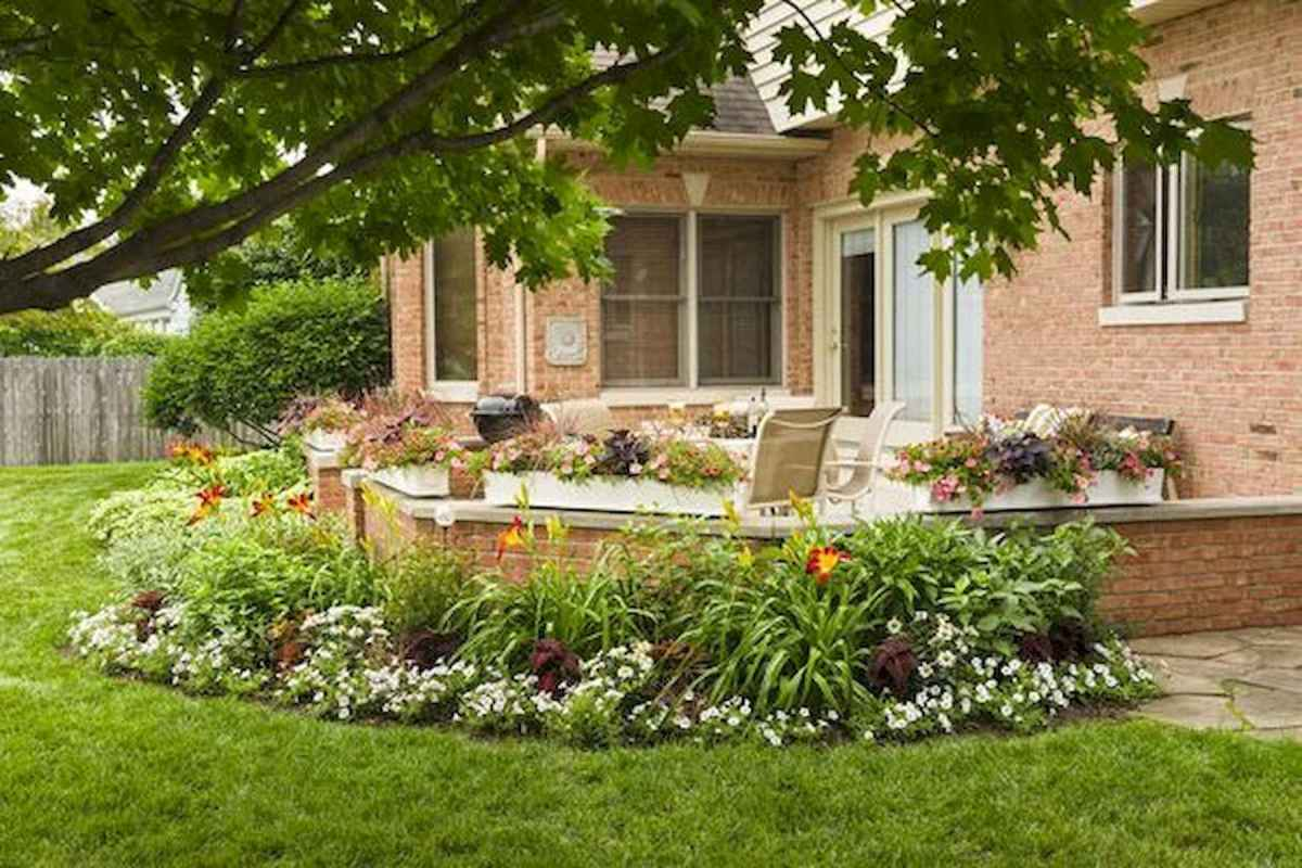 90 Simple and Beautiful Front Yard Landscaping Ideas on A Budget (65)