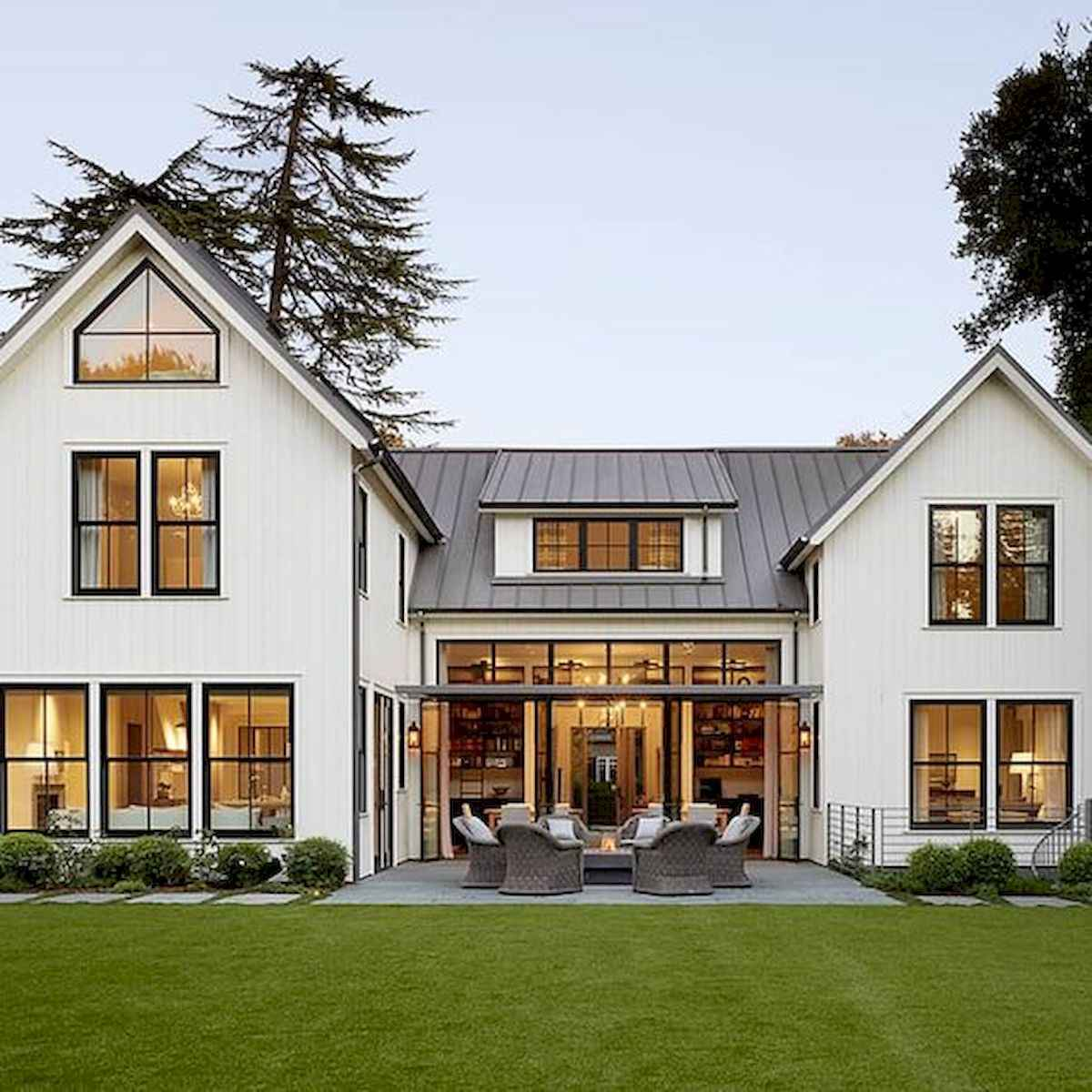 Exterior Home Design Ideas: 33 Best Modern Farmhouse Exterior Design Ideas (32