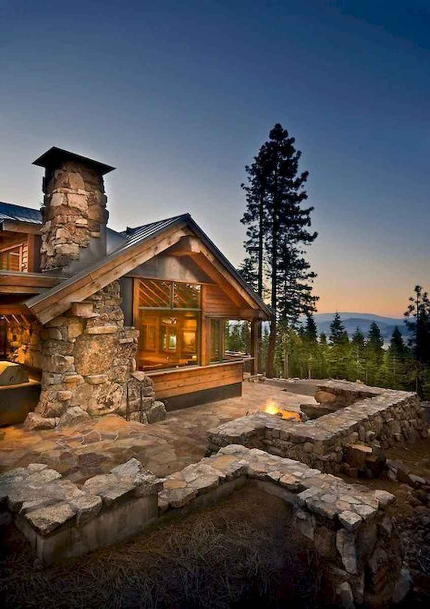 60 Awesome Log Cabin Homes Fireplace Design Ideas (63)