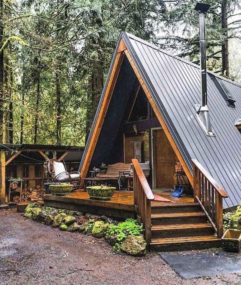 70 Suprising Small Log Cabin Homes Design Ideas (21)