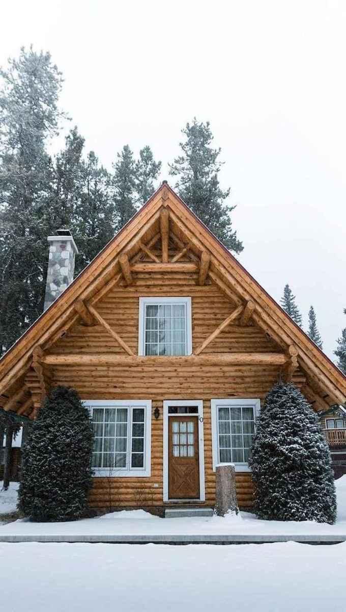70 Suprising Small Log Cabin Homes Design Ideas (23)