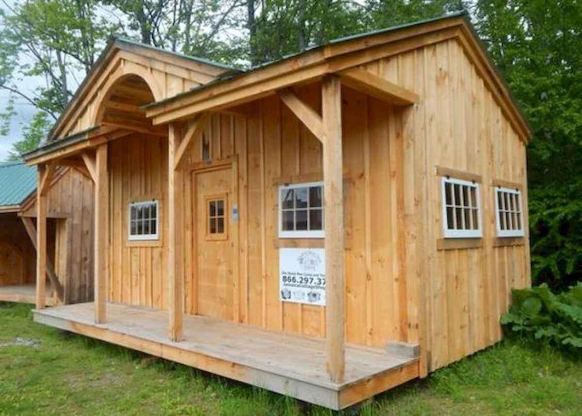 70 Suprising Small Log Cabin Homes Design Ideas (37)
