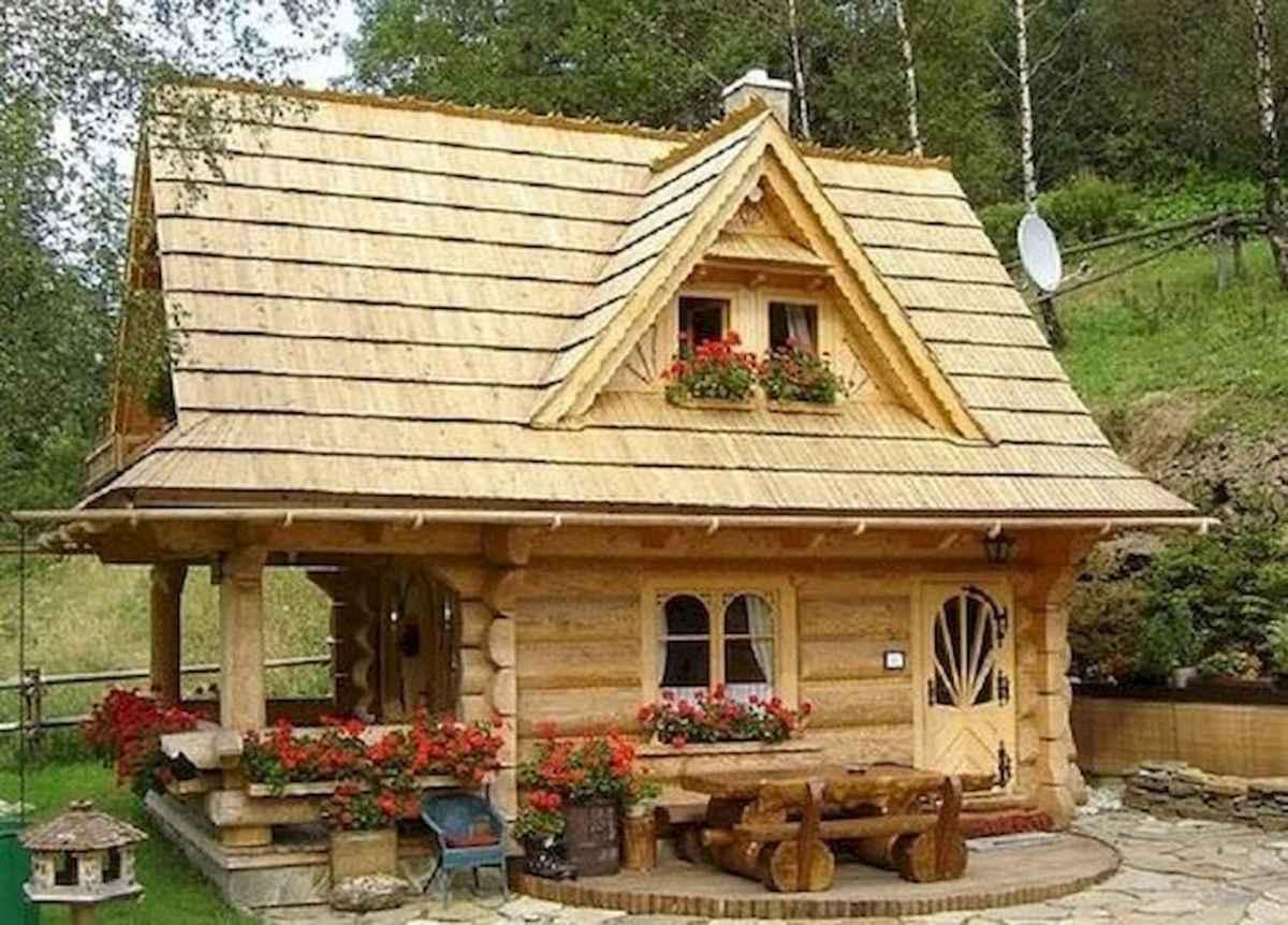 70 Suprising Small Log Cabin Homes Design Ideas (54)