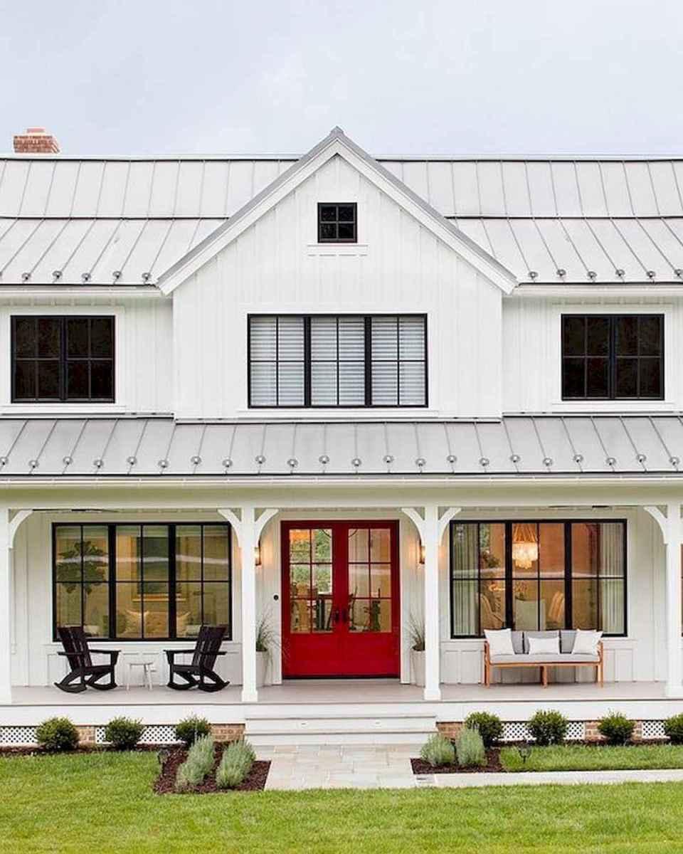 40 Stunning White Farmhouse Exterior Design Ideas (1)
