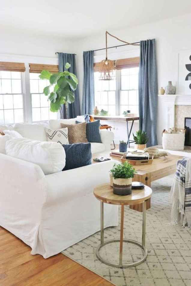 50+ Beautiful Small Living Room Decor Ideas And Remodel for Your First Apartment (56)