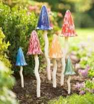 55 Creative Garden Art Mushrooms Design Ideas For Summer (14)