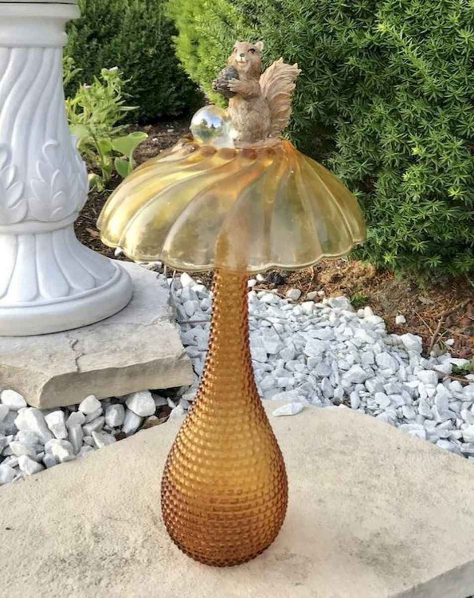 55 Creative Garden Art Mushrooms Design Ideas For Summer (22)