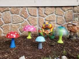 55 Creative Garden Art Mushrooms Design Ideas For Summer (26)