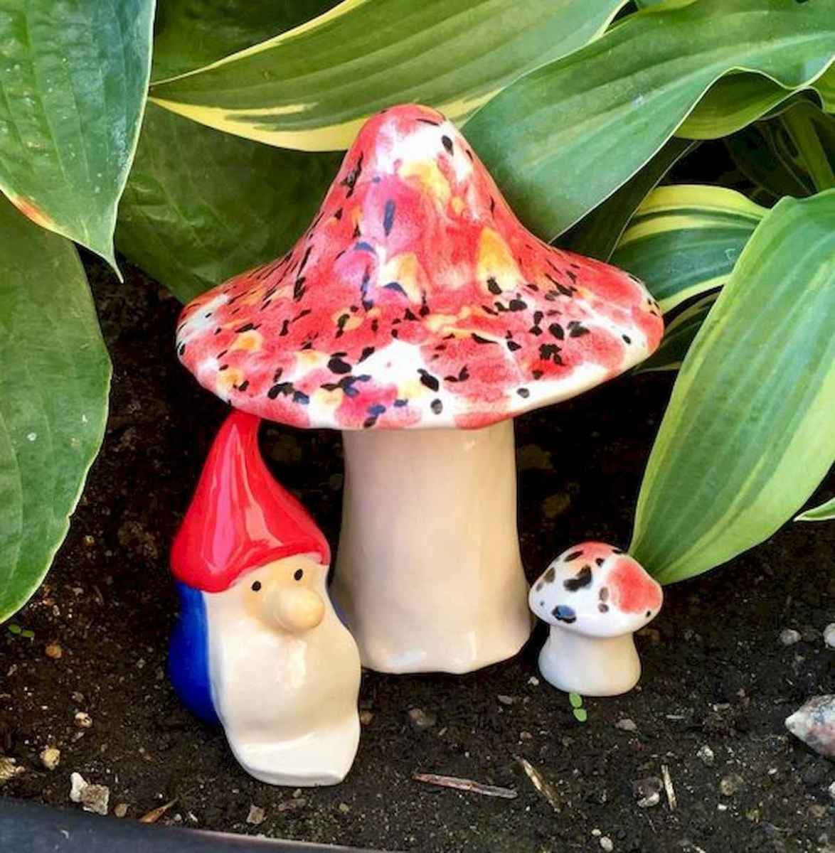 55 Creative Garden Art Mushrooms Design Ideas For Summer (31)
