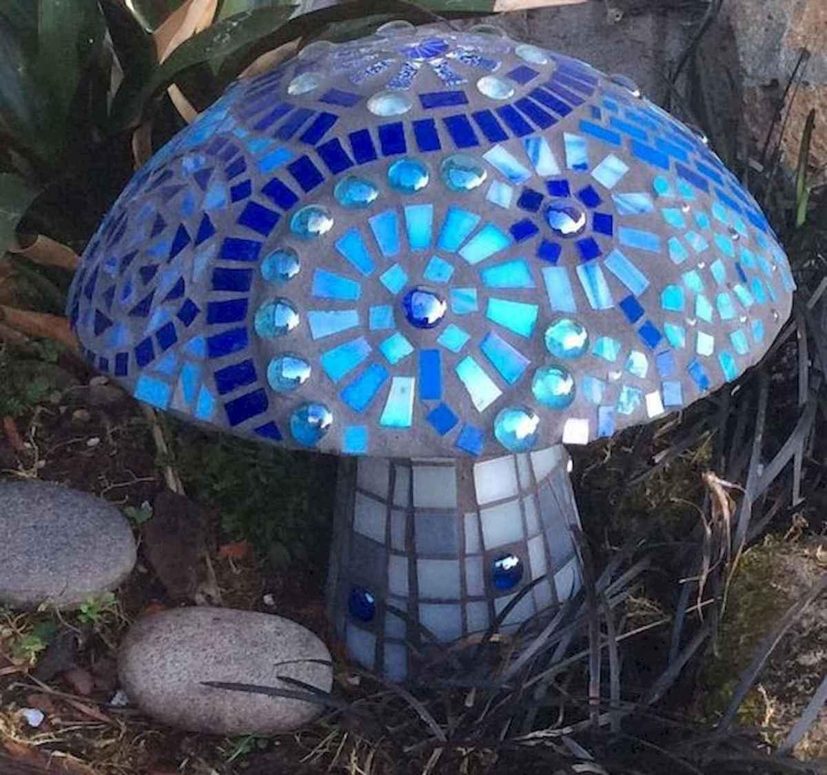 55 Creative Garden Art Mushrooms Design Ideas For Summer (44)