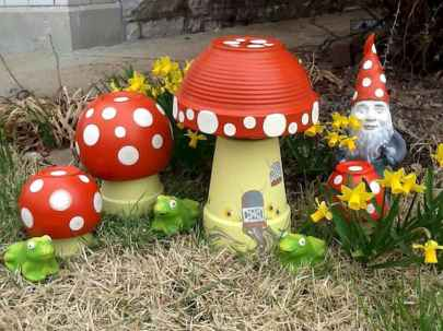 55 Creative Garden Art Mushrooms Design Ideas For Summer (50)