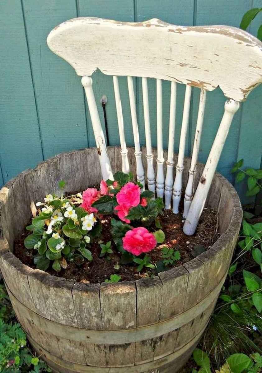 70 Creative and Inspiring Garden Art From Junk Design Ideas For Summer (54)