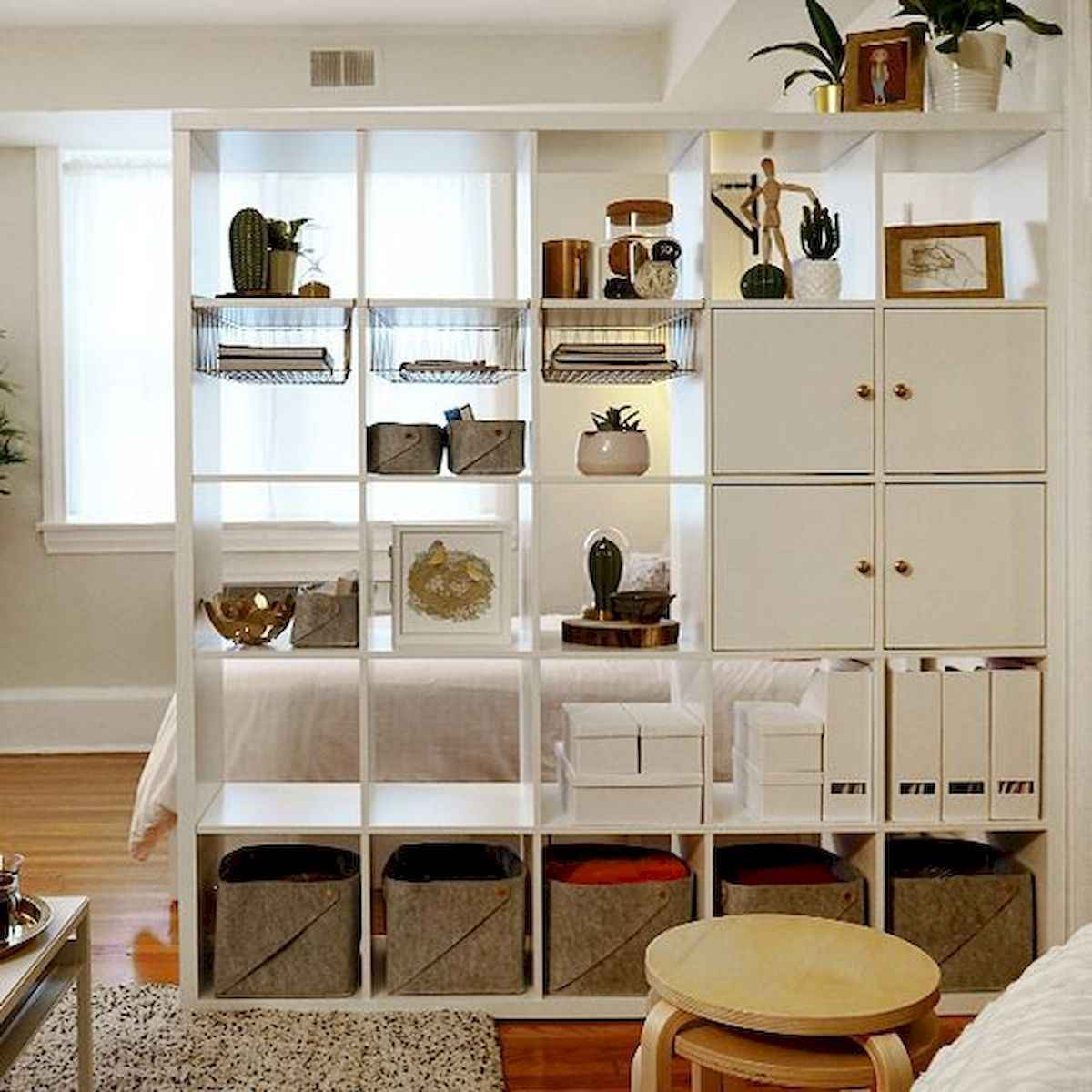 80+ Gorgeous Studio Apartment Divider Decor Ideas And Remodel (68)