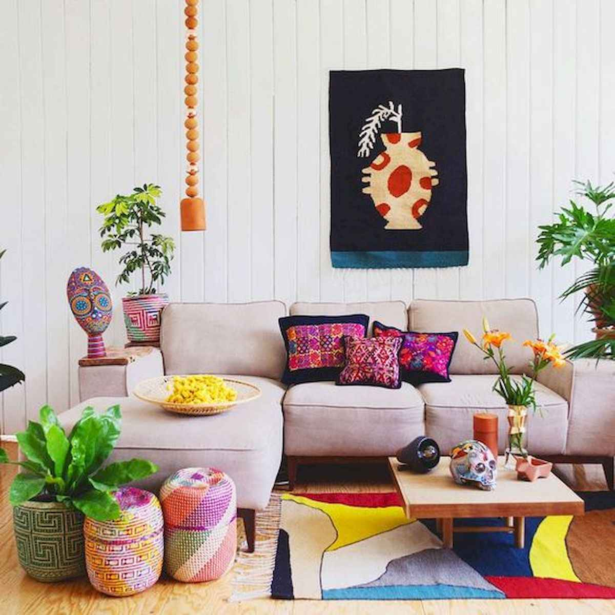 90+ Fantastic Colorful Apartment Decor Ideas And Remodel for Summer Project (59)