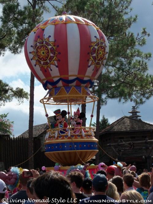 Parade - Mickey and Minnie
