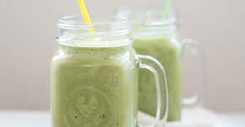 Modern Parents Messy Kids, Happy Green Smoothie