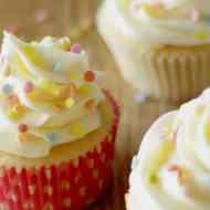 Die perfekten amerikanischen Vanille Cupcakes