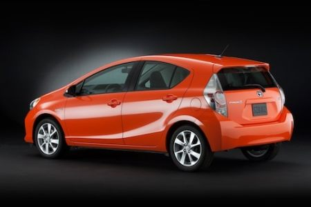 2013's top 10 hybrid cars for fuel economy