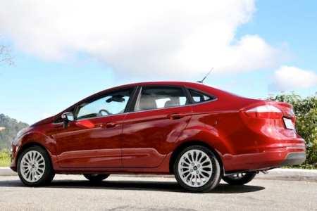 4 best fuel-efficient cars under $25,000