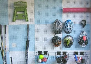 How to organize your life with peg board