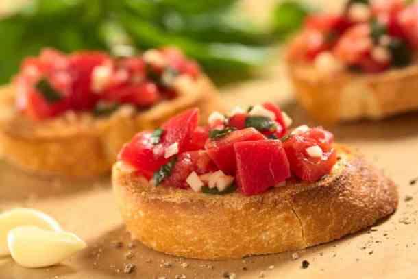 Bruschetta with Tomato, Garlic and Basil