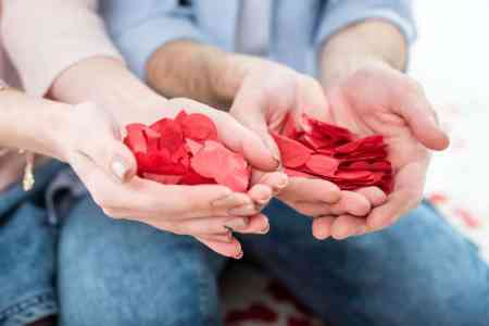 Valentine's Day: Big romance at a small price
