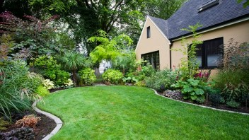 How Front Yard Landscaping Can Be Easy