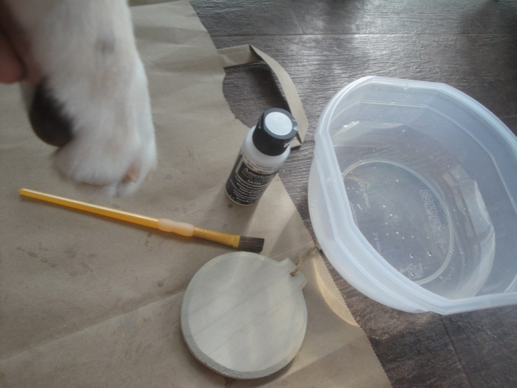 paw print ornament supplies