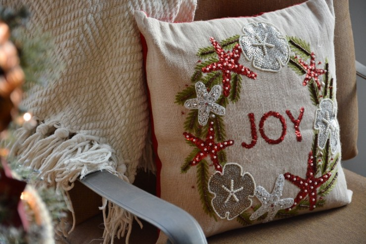 coastal-joy-pillow-800x533