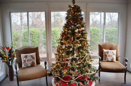rustic-coastal-christmas-tree-1-800x526