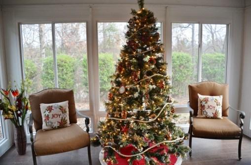 rustic-coastal-christmas-tree-1-800x526