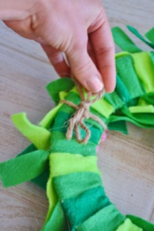 seahorse sea dragon craft - attach with twine 2