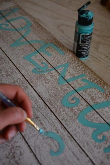 DIY Mermaid Sign - step 2 paint letters