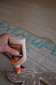 DIY Mermaid Sign - wood glue tail to sign