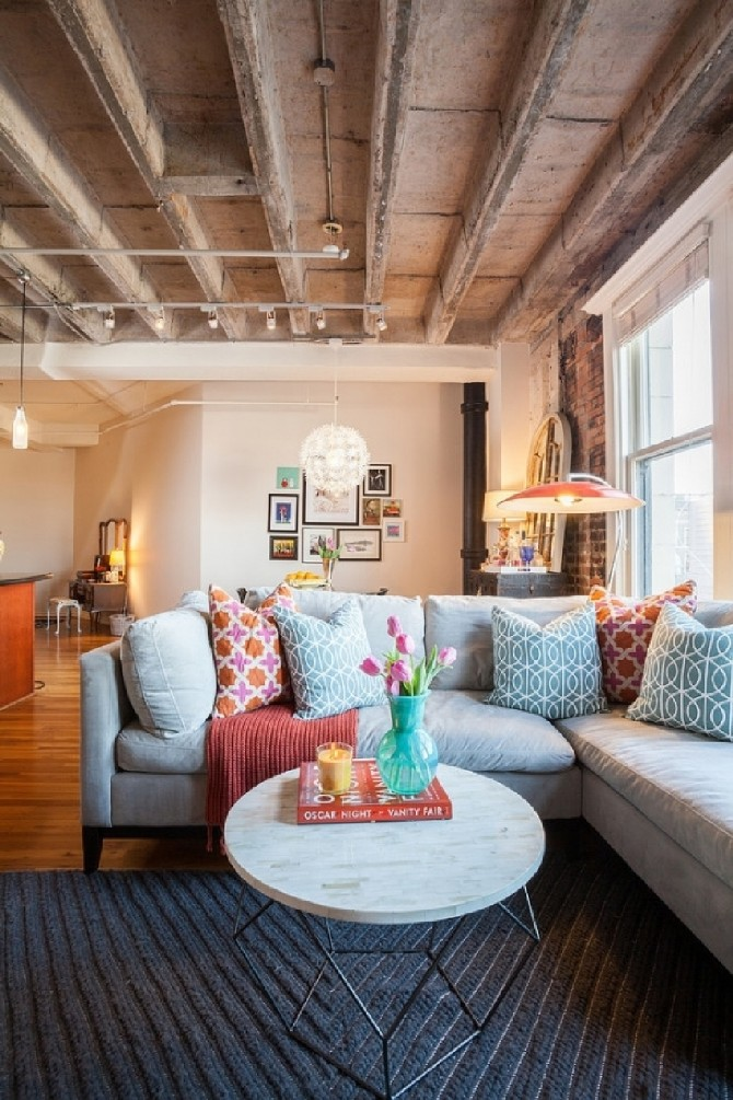 Summer Colors to Use in Your Living Room