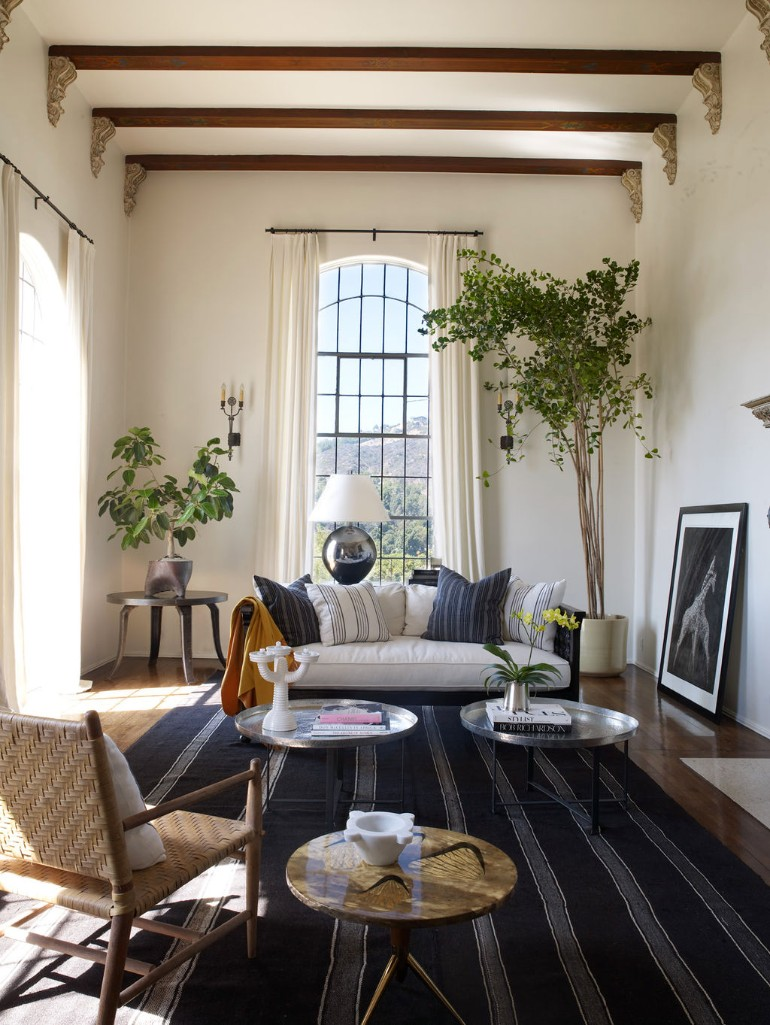 How to Style a Coffee Table in Your Living Room Decor
