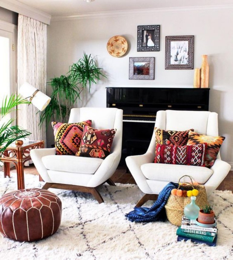Living Room Spaces that Use Pillows to Soften and Style