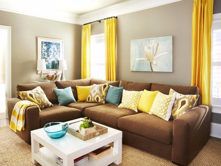 brown sofa living room decor ideas best light color for walls chic ways to style a in your 10