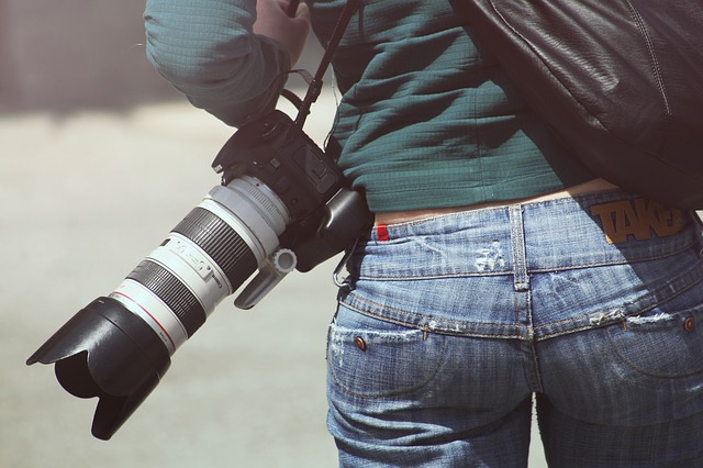 Make money selling photos as one of the best side hustles.