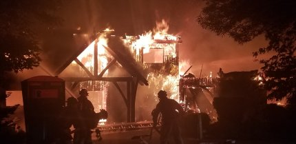 Overnight fire destroys Snoqualmie Ridge home, same home that caught fire last summer
