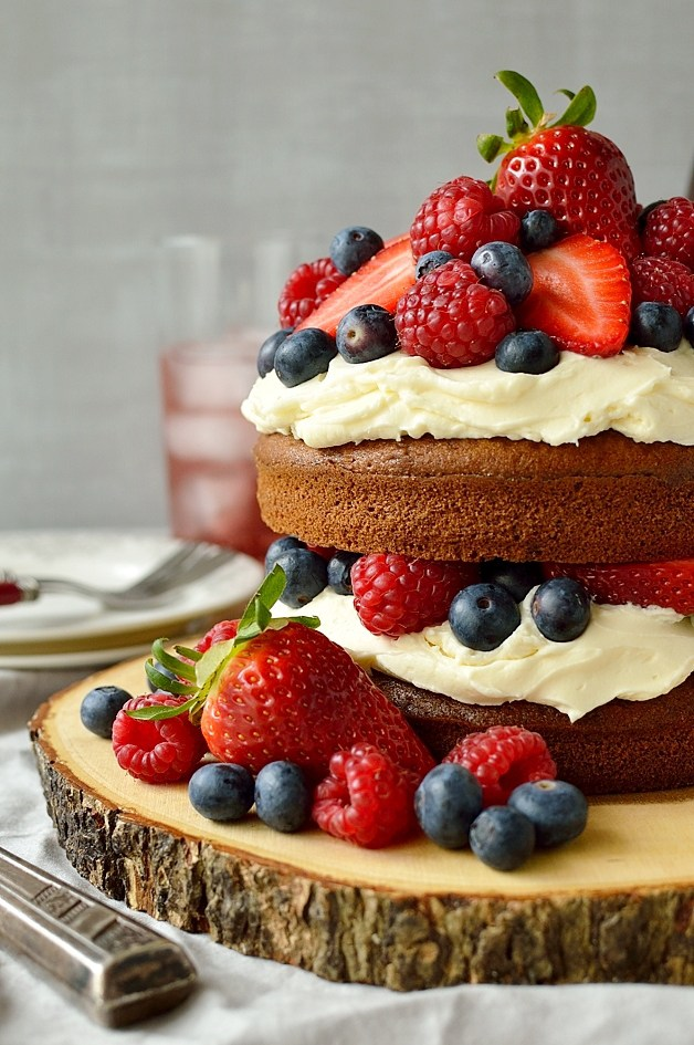 15 Amazing Anniversary Cake Recipes  Living Sweet Moments