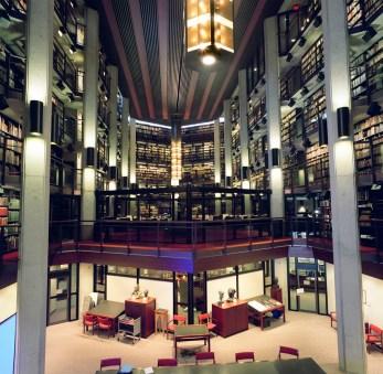Seminar_room_and_mezzanine