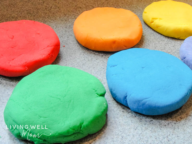 How To Make the Best Homemade Play Dough (with Video ...