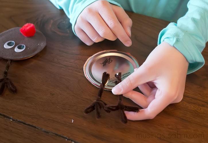 Glueing antlers