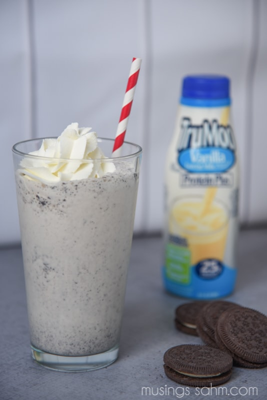 This quick & easy Cookies 'n Cream Milkshake recipe is a favorite family treat, for both the kids and mom and dad!