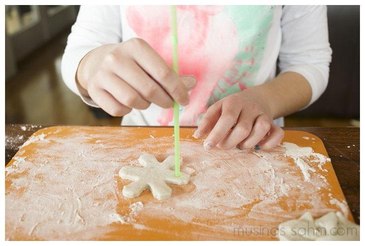 tutorial for making glitter salt dough snowflakes
