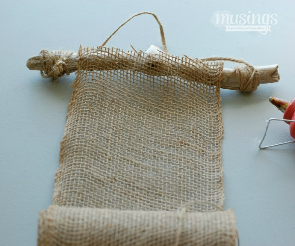 DIY Burlap Photo Frame - beautiful decoration for any home, plus a great homemade gift idea